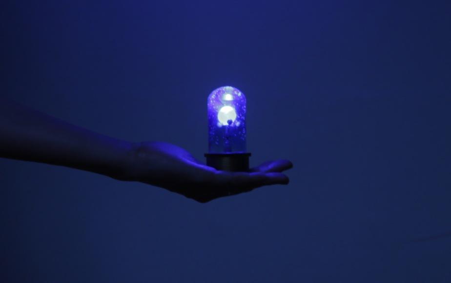 碧く灯る惑星儀