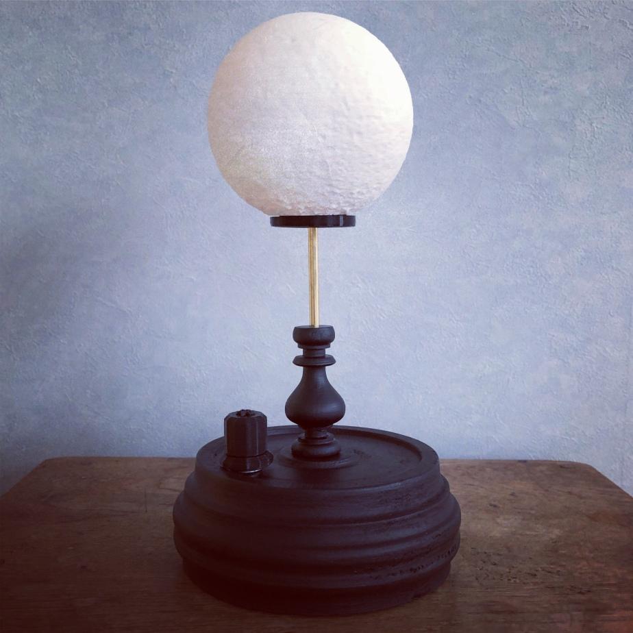 電氣式月燈